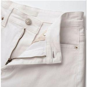 Uniqlo Jeans - High-Waisted WHITE JEANS. Uniqlo NWT